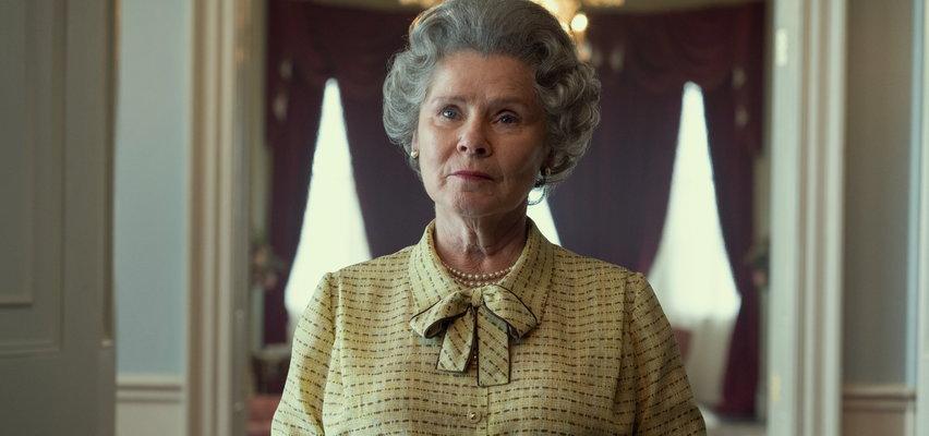 """Pierwsze zdjęcie Imeldy Staunton w roli królowej Elżbiety II w nowym sezonie w """"The Crown"""". Podobna?"""