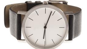 Jak wymienić bransoletę w zegarku?