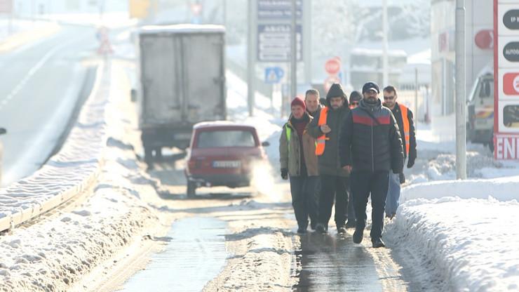 Kraljevo 04 - Aktivisti krenuli do Beograda pešice - Foto N. Božović