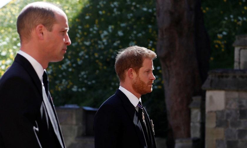 Książę William i Harry na pogrzebie księcia Filipa.