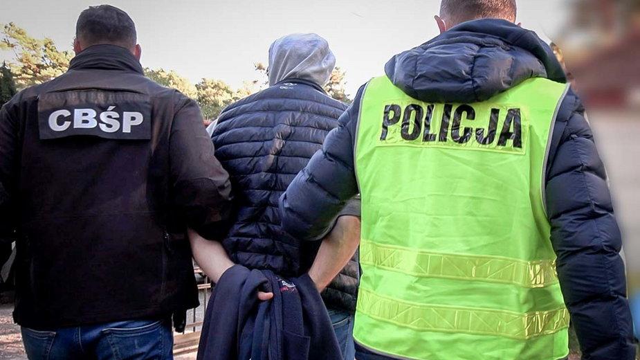 Policjanci rozbili grupę przestępczą zajmującą się lichwą