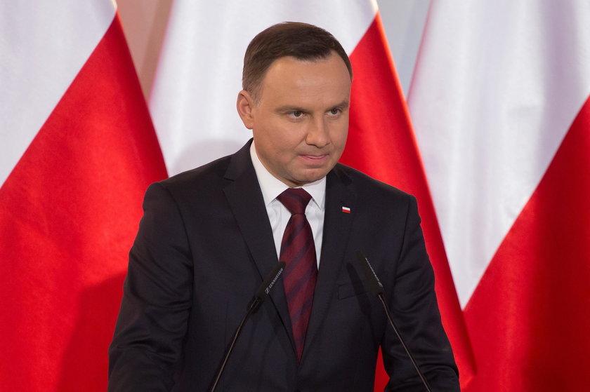Fakt ujawnia! Tak Kaczyński chciał wyrolować prezydenta