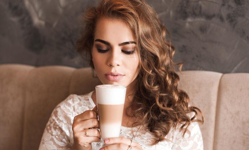 Świetny prezent dla miłośników kawy. Sprawdź, co warto kupić!