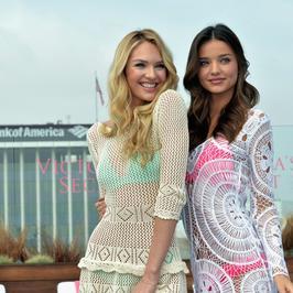 Miranda Kerr i Candice Swanepoel podczas prezentacji kostiumów Victoria's Secret