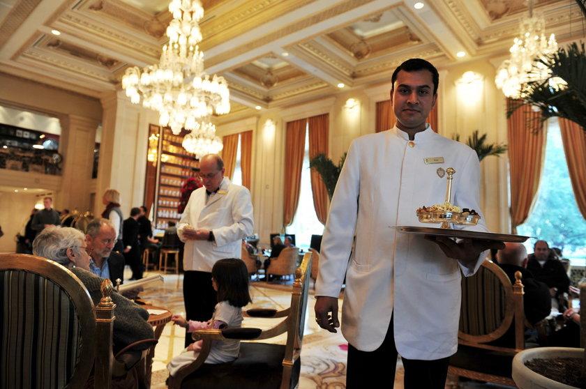 Kelnerzy zarabiają średnio 5 dolarów za godzinę, ale w Nowym Jorku czy Los Angeles - znacznie więcej