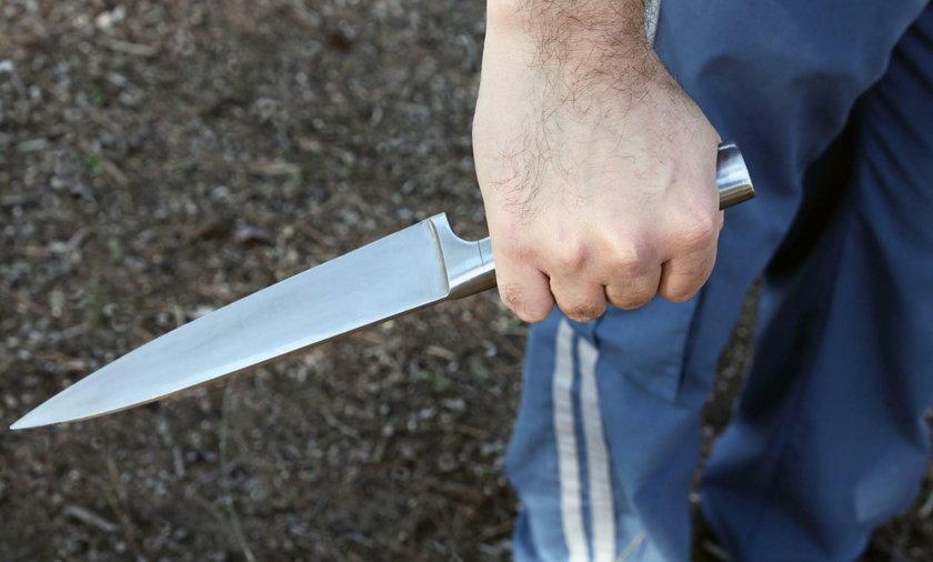 Zaatakował nożem w metrze.