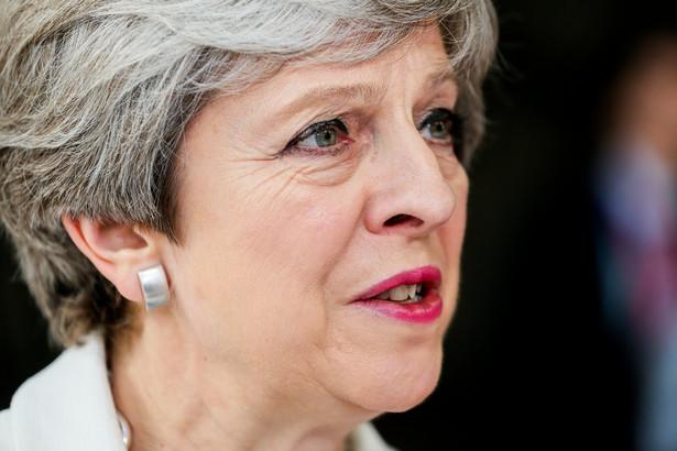 Theresa May powiedziała, że obywatele UE mieszkający na Wyspach pięć lat będą mogli się ubiegać o status osoby osiedlonej.
