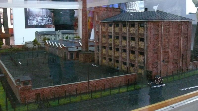 Makieta więzienia radogoskiego na ekspozycji muzealnej obecnego Mauzoleum radogoskiego