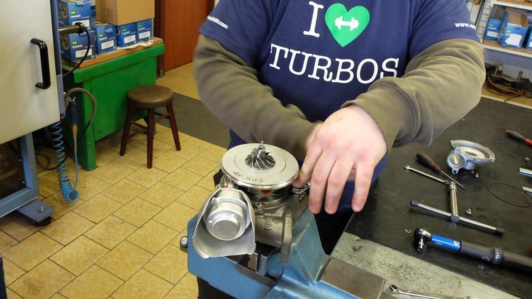 Problemy z turbosprężarką – kiedy zgłosić się do warsztatu?