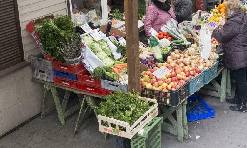 Dodatkowa opłata za handel na chodniku przed sklepem