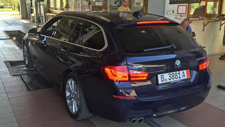 Auto z zagranicy: przepisy, opłaty i formalności