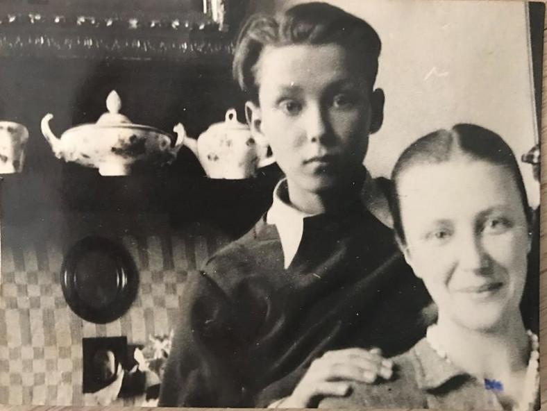 Wojciech Młynarski z mamą / fot. z profilu Agaty Młynarskiej