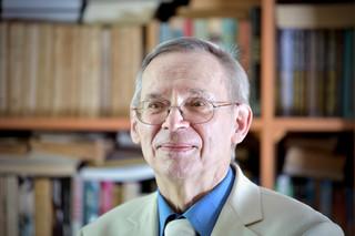 Prof. Gut: Przyrost zakażeń tydzień do tygodnia oznacza, że epidemia nabiera tempa