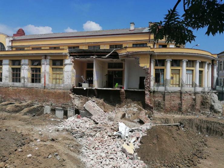 Kragujevac, Rekonstrukcije zgrade Centralne tržnice, srušio se zid