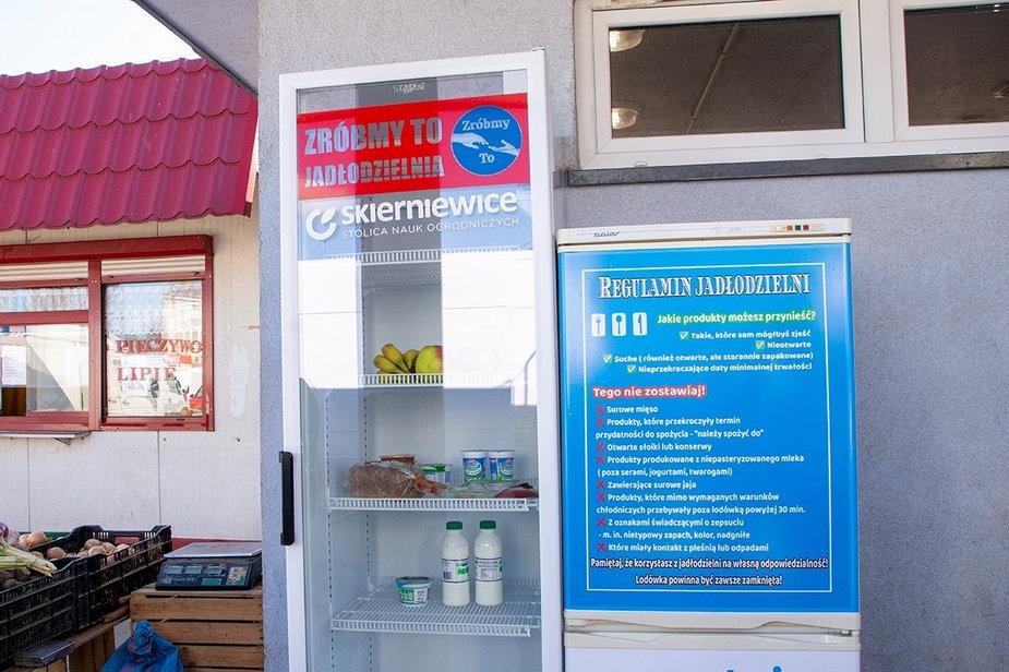 Społeczna lodówka stanęła w Skierniewicach