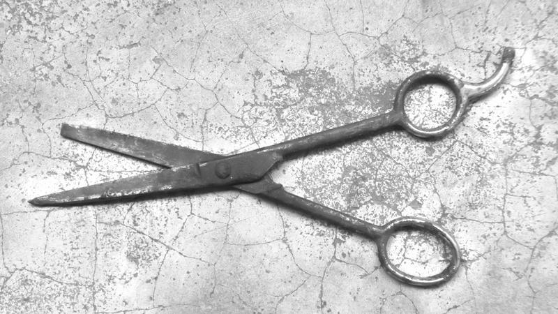 Uzdrowiciele z Brazylii operują ludzi igłami i nożyczkami