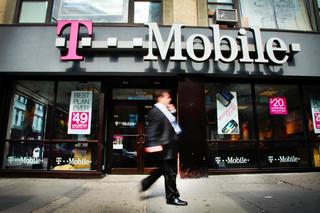 Nowa oferta w T-Mobile: rozmowy, SMS-y lub internet za darmo, nawet przy zerowym koncie