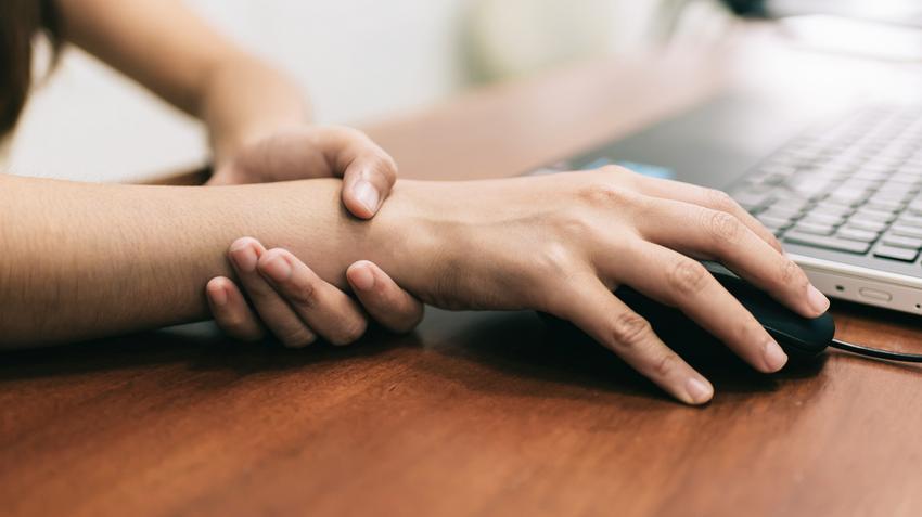 ízületi és izomfájdalom az ujjakon az artrózis gyógyszerének neve