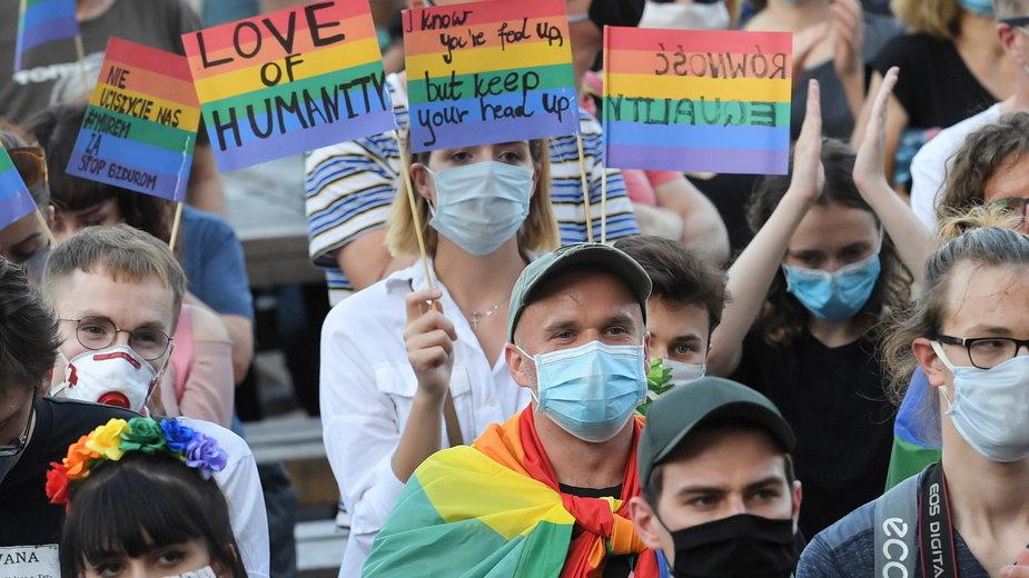 Warszawa. Demonstracja solidarności z osobami LGBT
