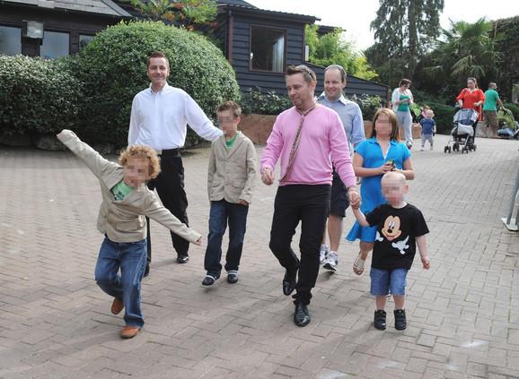 Toni Beri imaju petoro dece