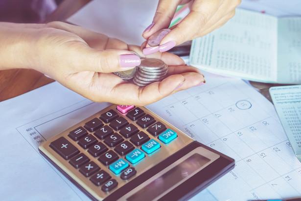 Przeszkodą w rozliczeniu na zasadach przewidzianych dla osób samotnie wychowujących dziecko jest sama już możliwość uzyskiwania dochodów opodatkowanych liniowym PIT.