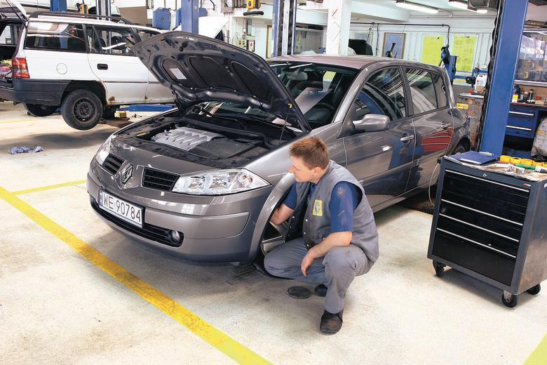 Wymiana żarówki w Renault Megane II