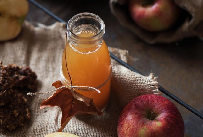 Svakodnevno konzumiranje jabukovog sirćeta donosi mnogo prednosti
