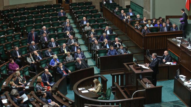 Koalicja rządowa broni marszałka Sejmu Radosława Sikorskego