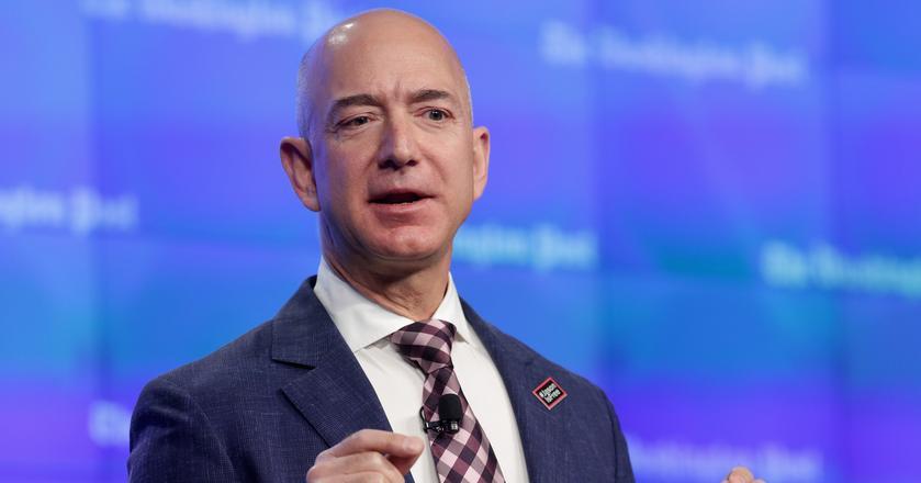 Jeff Bezos każde spotkanie zaczyna od ciszy