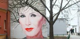 W Warszawie odsłonięto mural z podobizną Kory