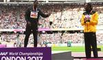 NOVI HUK U LONDONU Getlin izviždan tokom primanja zlatne medalje, Boltu se to uopšte nije svidelo