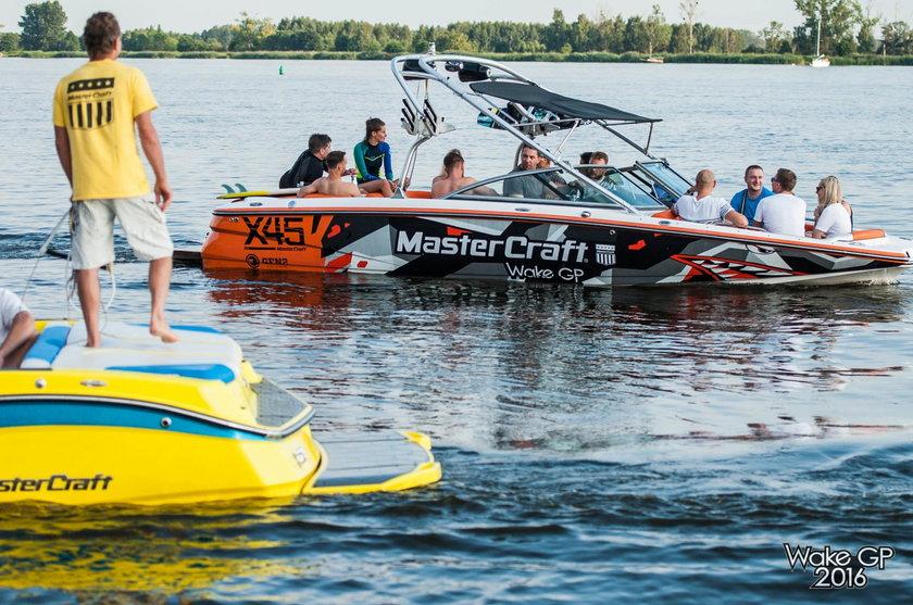 Wszystko zaczęło się od wakeboardu, który szturmem zdobył serca fanów letnich sportów wodnych