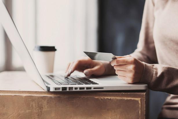Proceder stał się na tyle powszechny, że pracę w takiej organizacji można znaleźć na forach internetowych