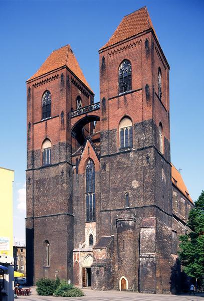Gotycki kościol św. Mikołaja w Brzegu