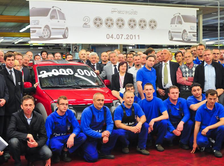 Dwumilionowy egzemplarz fiata panda zjechał z linii produkcyjnej fabryki Fiata w Tychach