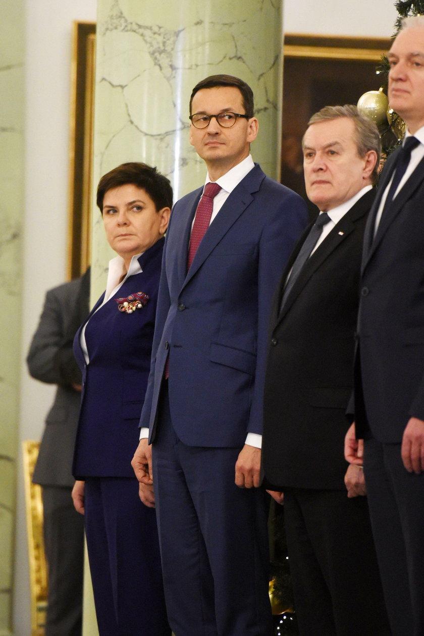 Mateusz Morawiecki z ministrami