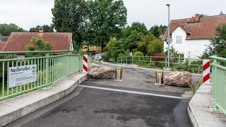 Blokada na moście w Zelz