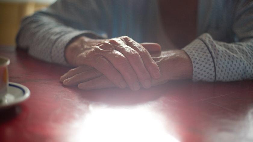 Staruszek zastrzelił chorą na raka żonę i popełnił samobójstwo