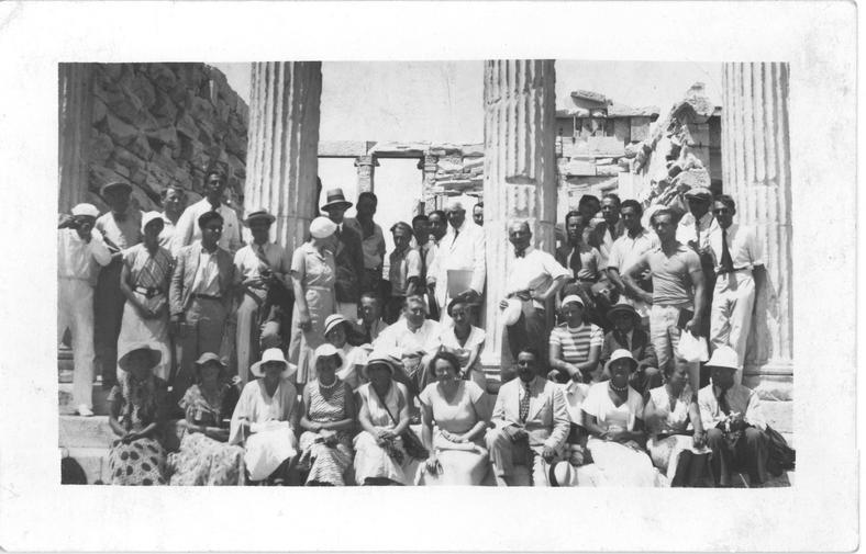 Uczestnicy kongresu CIAM w Atenach