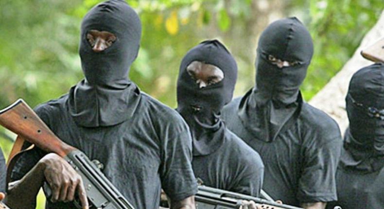 GunGunmen kill 6 family members in Osun. [crucible]