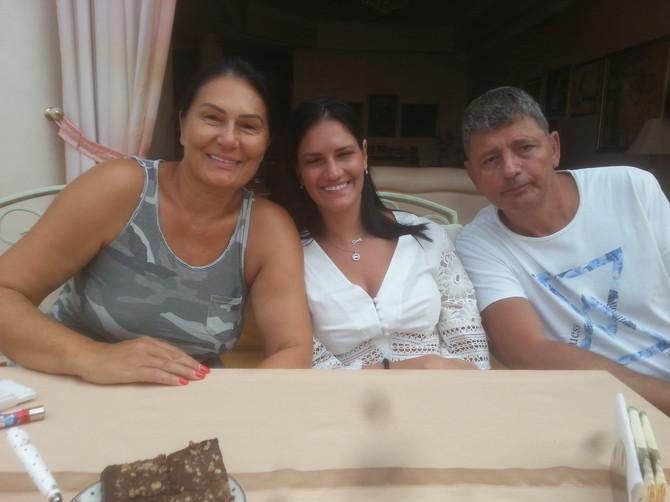 Mama Slavica, Milica i tata Jovan ĆiriĆ