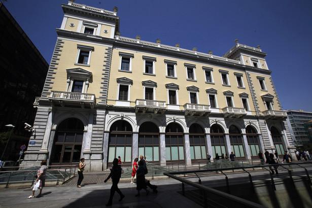 Banki zostały zamknięte na początku miesiąca, w związku z fiaskiem negocjacji na temat pakietu pomocowego dla Grecji