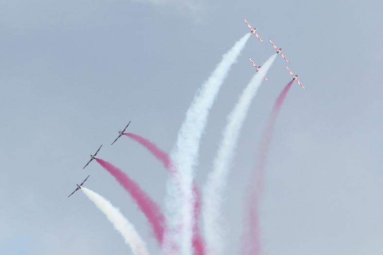 Pokaz akrobatyki powietrznej w wykonaniu polskich pilotów