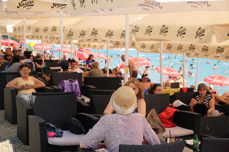 Ada Ciganlija toplo sunčano vreme kafići 2017