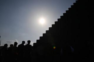 Prezes PiS: Pomnik ofiar katastrofy smoleńskiej to przywrócenie godności państwa