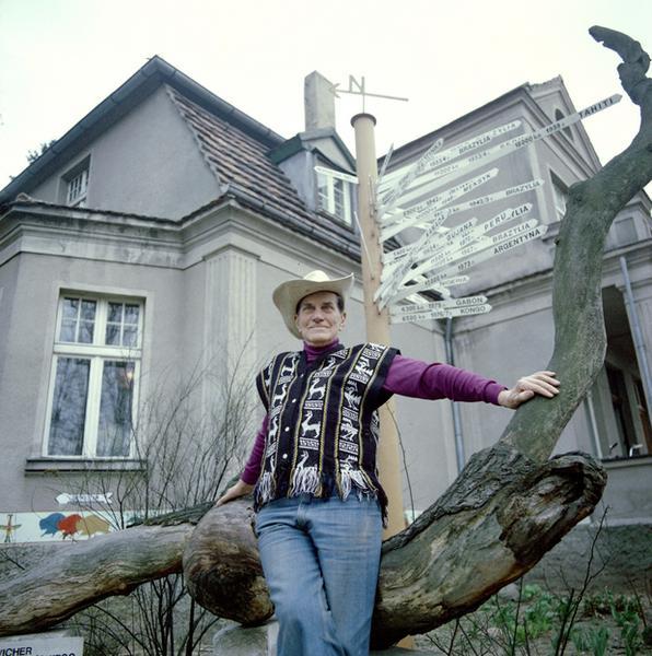 Arkady Fiedler w Puszczykowie, 1980 r.