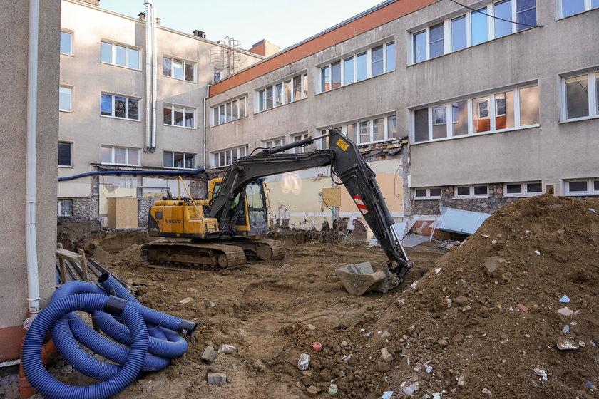 Trwa przebudowa izby przyjęć szpitala w Redłowie.