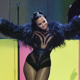 Demi Lovato: kiedyś walczyła z bulimią i anoreksją. Dzisiaj jest dumna ze swojego ciała