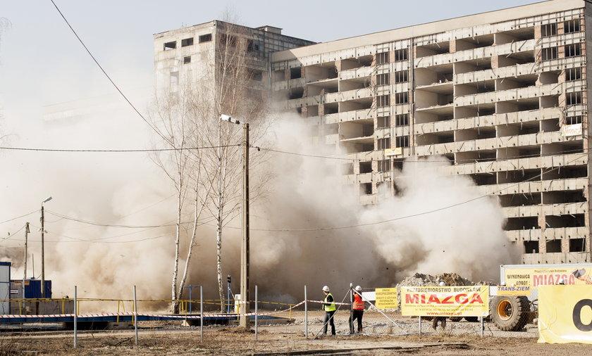 wyburzanie budynku szpitala w zabrzu
