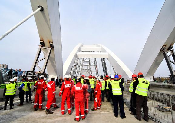 Zvaničnici obišli radove na Žeželjevom mostu u Novom Sadu